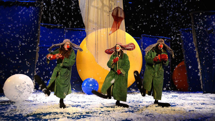 6845570d04f6e8 The international stage sensation Slava s Snowshow returns to Toronto in  over 20 years as part of the city s holiday season entertainment.